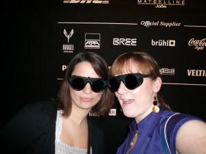 Charlotte Reith (links) mit ihrer Schwester zum ersten Mal auf der Fashionweek