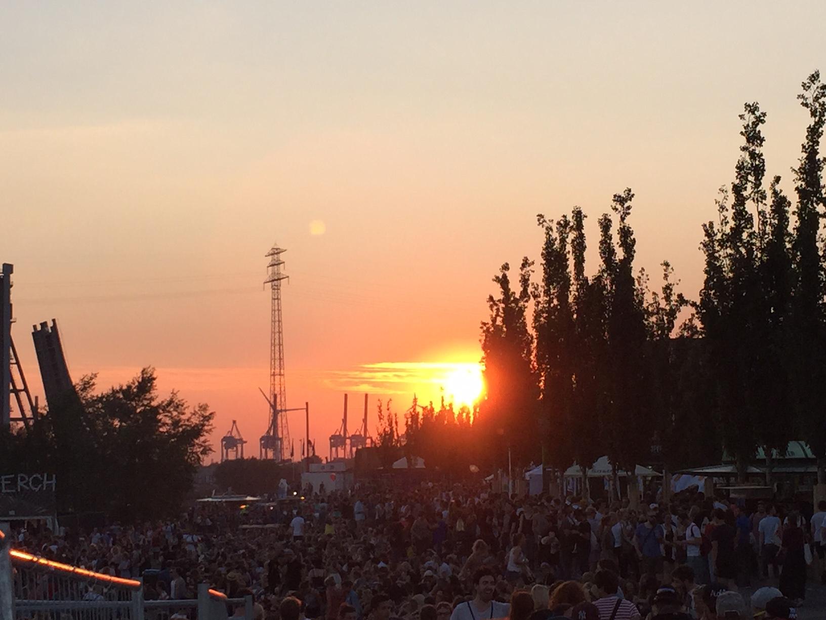 MS Dockville Sonnenuntergang