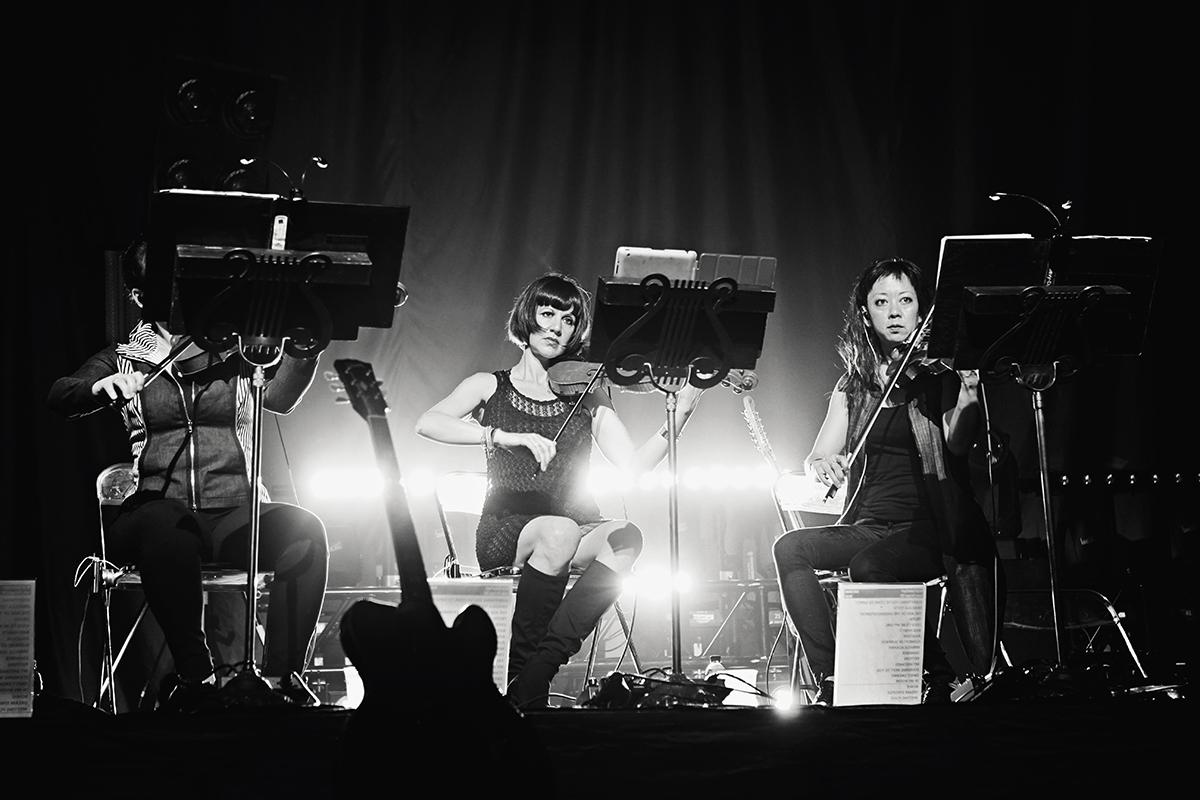 Last Shadow Puppets-Berlin-Hella Wittenberg-03